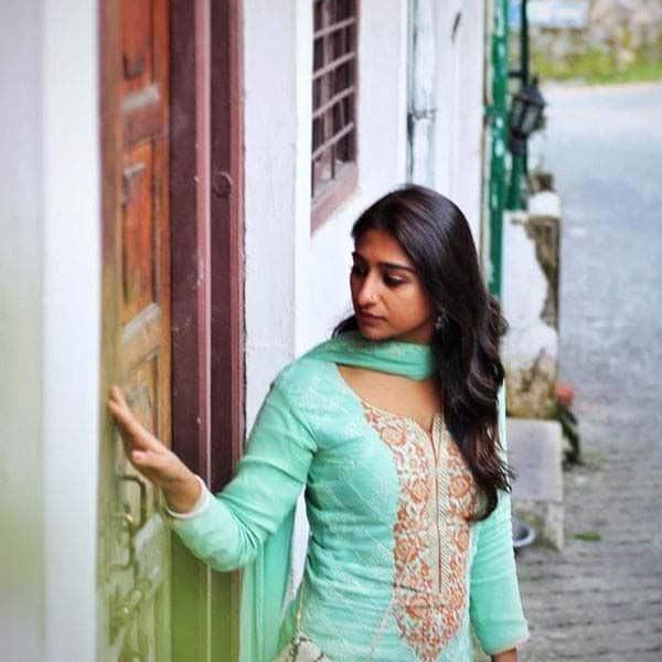 घर के हर एक कोने को खुद ही सजा रही हैं मोहिना कुमारी सिंह
