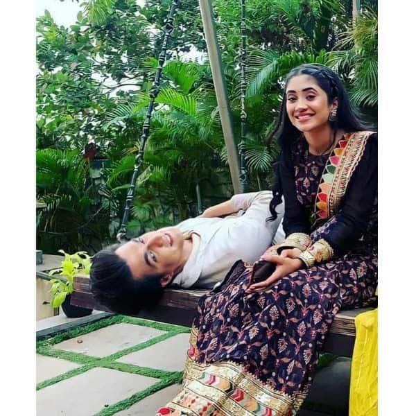 फैंस क्रॉप कर रहे हैं शिवांगी जोशी और मोहसिन खान की तस्वीर