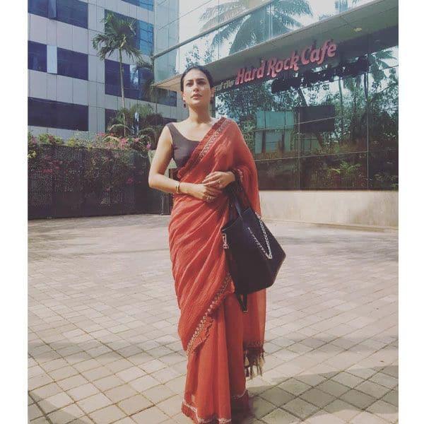 लम्बे समय बाद घर से बाहर निकलीं पवित्रा पुनिया (Pavitra Punia)