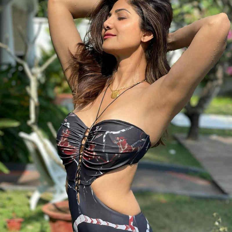 सनकिस्ड तस्वीर शेयर करके Shilpa Shetty ने धड़काया फैंस का दिल