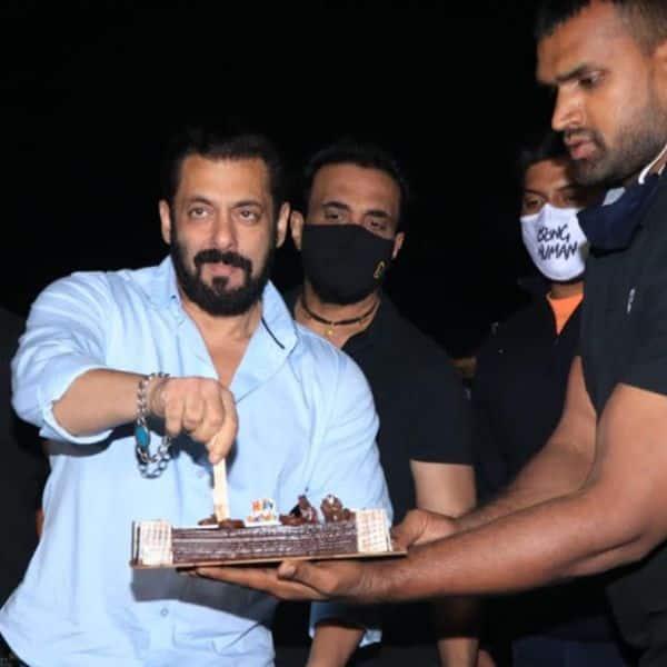 पनवेल के फॉर्महाउस पर सलमान खान (Salman Khan) ने किया पार्टी का आयोजन