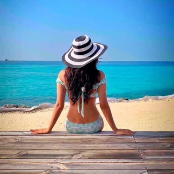 मालदीव की वादियों में गुम हैं मानुषी छिल्लर