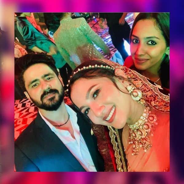 मेहमानों के साथ सैल्फी क्लिक करती दिखीं गौहर खान (Gauahar Khan)