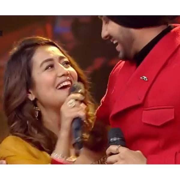 नेहा कक्कड़ ने रोहनप्रीत सिंह के लिए गाया गाना