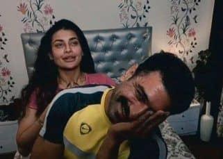 Bigg Boss 14: Pavitra Punia से मिलते ही शरमा गए Eijaz Khan, आग की तरह वायरल हुई फोटो