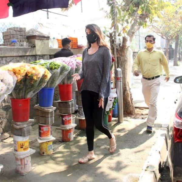 सोशल मीडिया से गायब हुईं रिया चक्रवर्ती (Rhea Chakraborty)