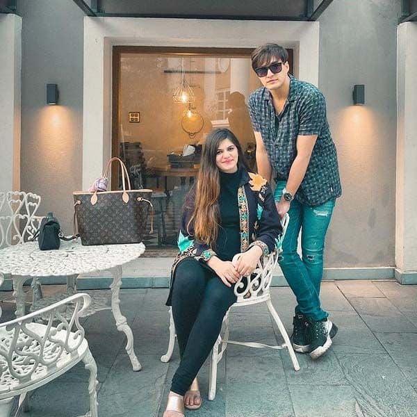 बहन जेबा खान (Zeba Khan) संग मोहसिन खान ने बिताया क्वालिटी टाइम
