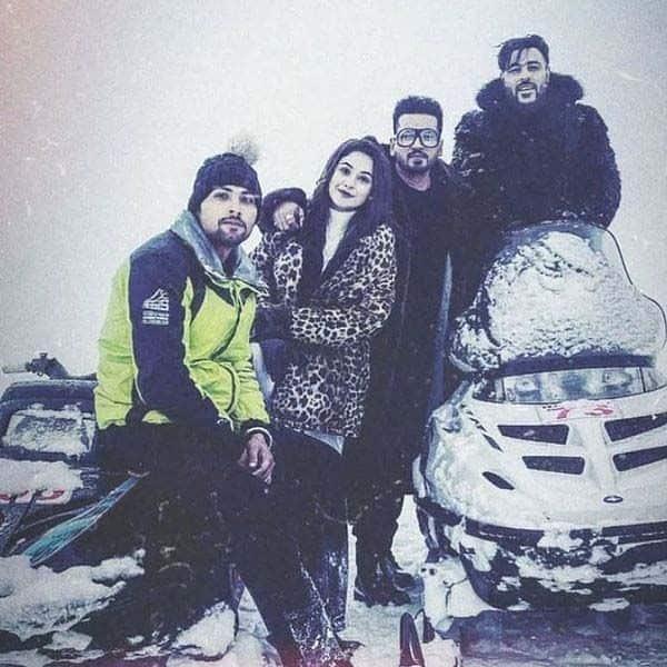 कश्मीर में हैं 'बिग बॉस 13' फेम शहनाज गिल