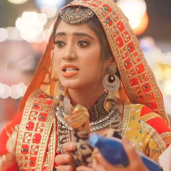 गुस्से वाले सीन में तो और भी खूबसूरत लगती हैं शिवांगी जोशी (Shivangi Joshi)