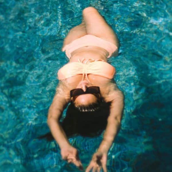 Sunny's bikini look