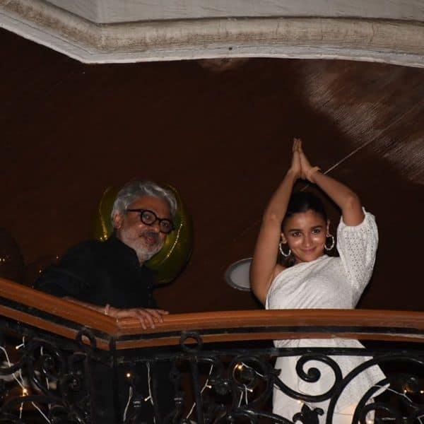 Bhansali and Alia strike a Gangubai pose