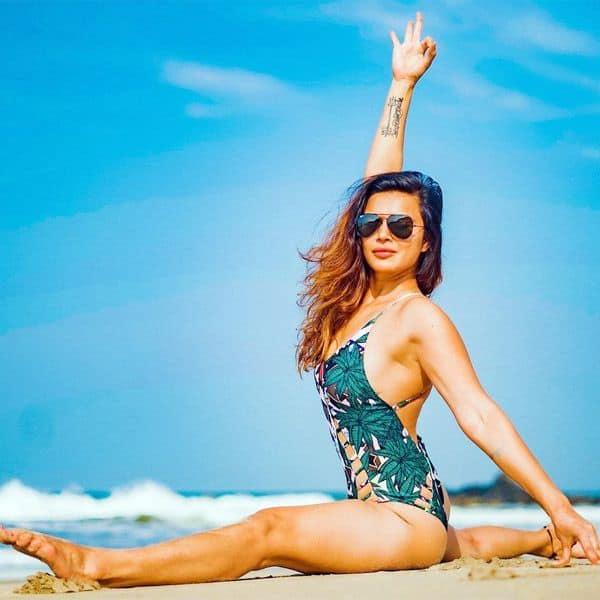 Hottie yogini