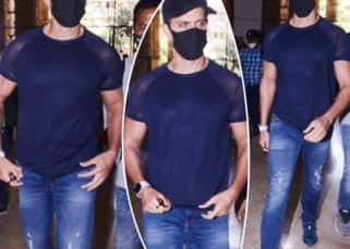 Hrithik Roshan-Kangana Ranaut E-mail case: The superstar reaches the office of Mumbai Crime Branch