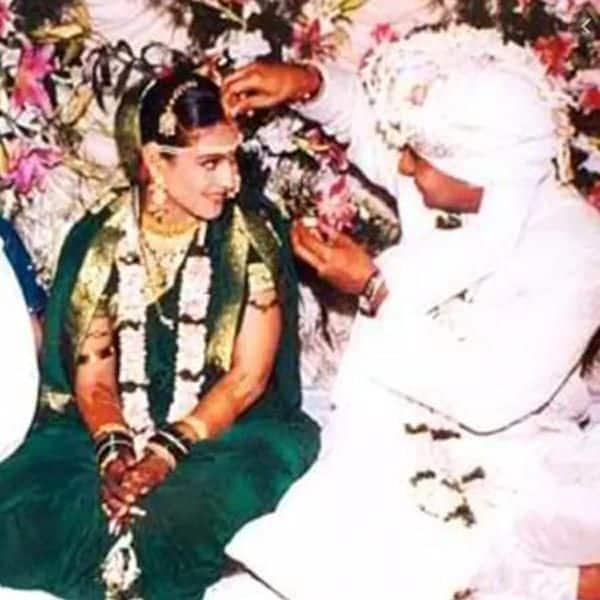 Kajol ने शादी के दिन नहीं पहनी थी लाल साड़ी, देखें PICS