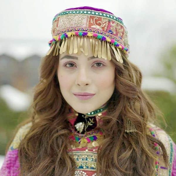 कश्मीर में शूट करेंगी अपना नया गाना