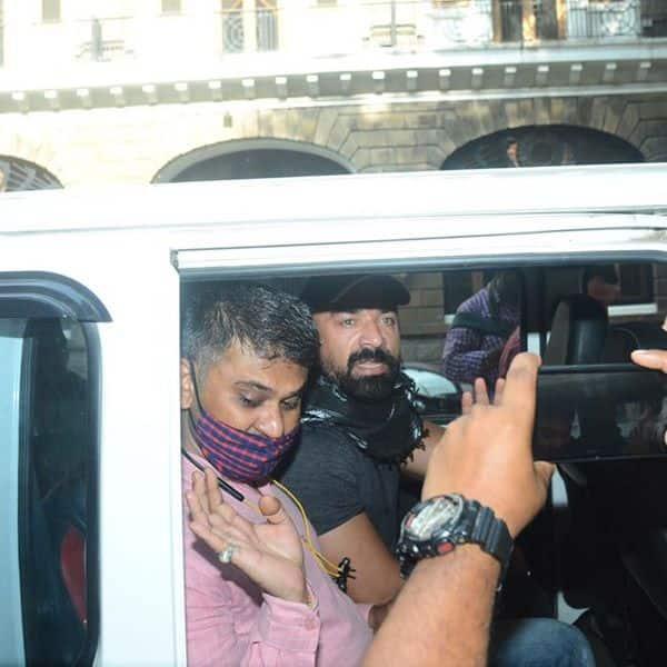 3 अप्रैल तक पुलिस कस्टडी में रहेंगे एजाज खान (Ajaz Khan)