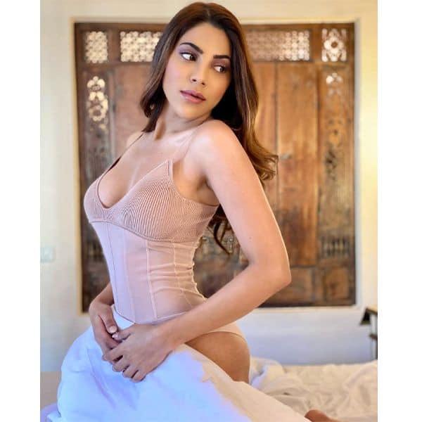 Nikki_Tamboli_Hot_Pics_Bigg_Boss_14_4