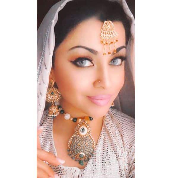 ऐश्वर्या राय बच्चन (Aishwarya Rai Bachchan) के हर लुक को कॉपी करती हैं आमना इमरान (Aamna Imran)