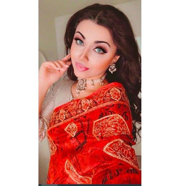 पाकिस्तान की रहने वाली हैं आमना इमरान (Aamna Imran)