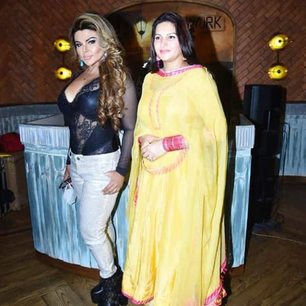 राखी सावंत की दीदी सोनाली फोगाट भी बनी पार्टी का हिस्सा