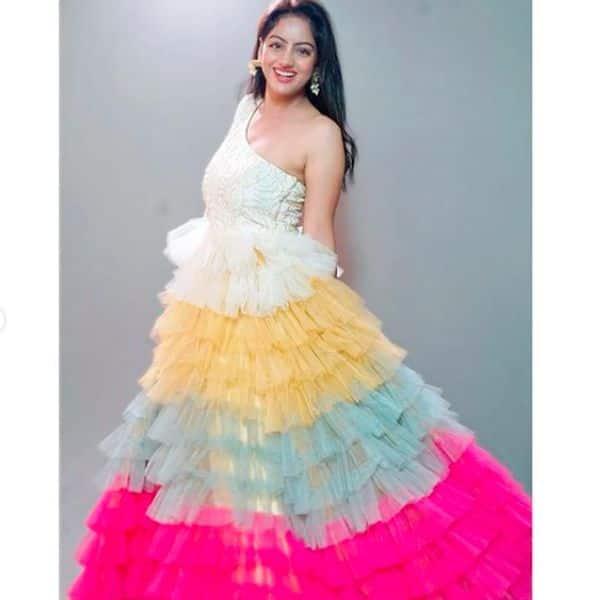 दीपिका सिंह (Deepika Singh) ने दी फैंस को होली की बधाई