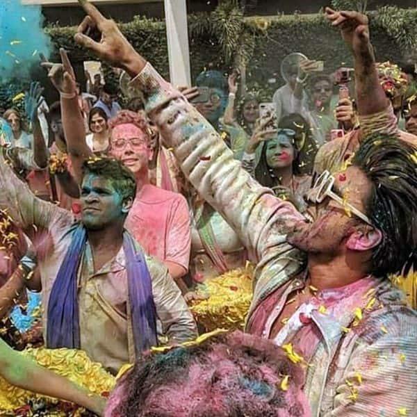 होली के दिन खूब धमाल मचाते हैं रणवीर सिंह