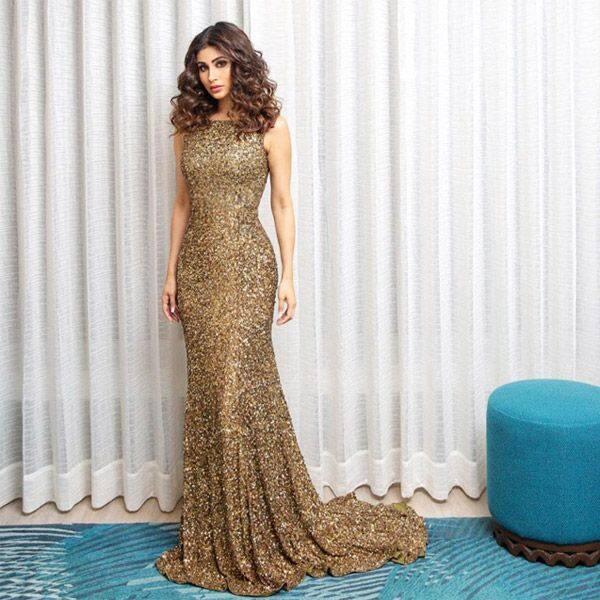 Golden lady – Mouni Roy