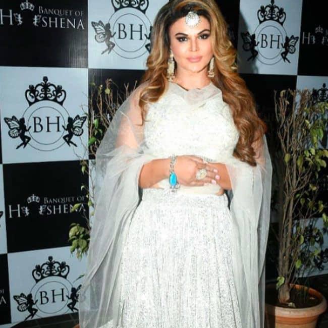 बला की खूबसूरत लग रही हैं राखी सावंत (Rakhi Sawant)