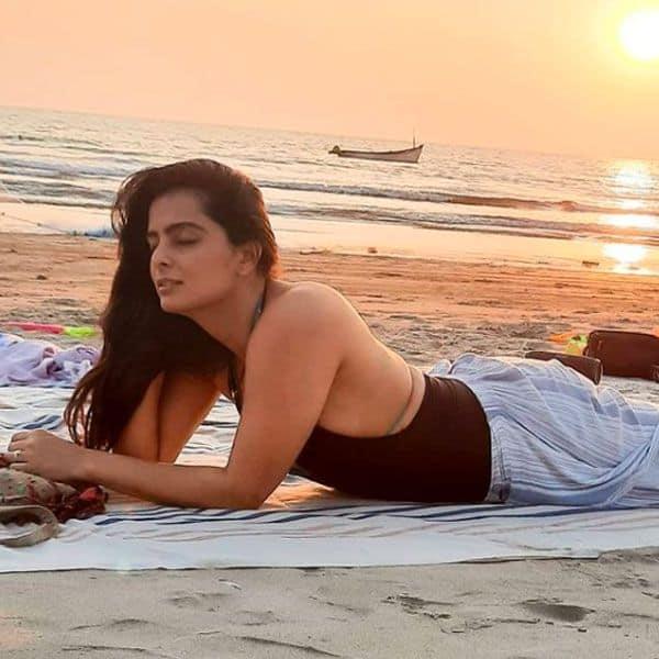 गोवा से वापस आने के बाद फोटोज शेयर कर रही हैं रूही चतुर्वेदी (Ruhi Chaturvedi)