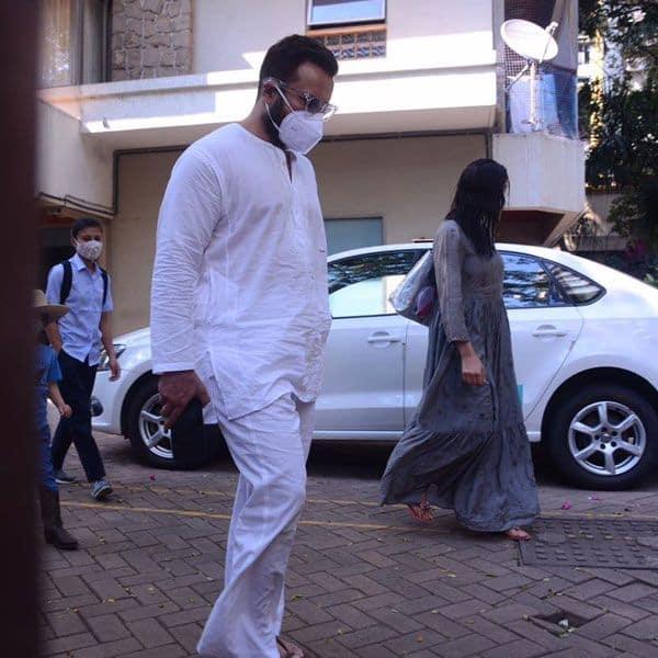 Saif Ali Khan spotted with kids Sara Ali Khan and Taimur Ali Khan at Bandra