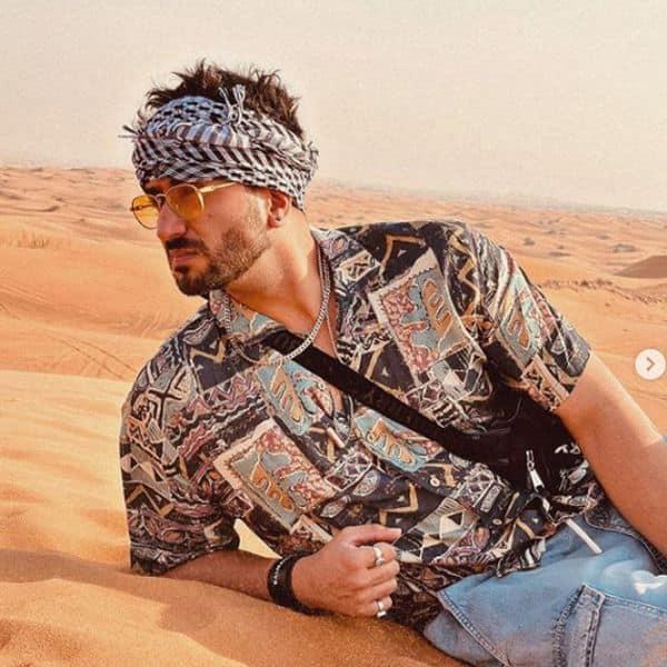 तपते रेगिस्तान में जमीन पर लेटे दिखे अली गोनी