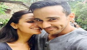 Anita Hassanandani's 40th birthday celebrations involved balloons, cakes and a kiss from hubby Rohit Reddy – watch video
