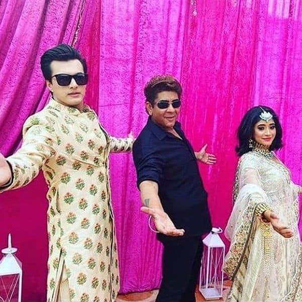 SRK pose