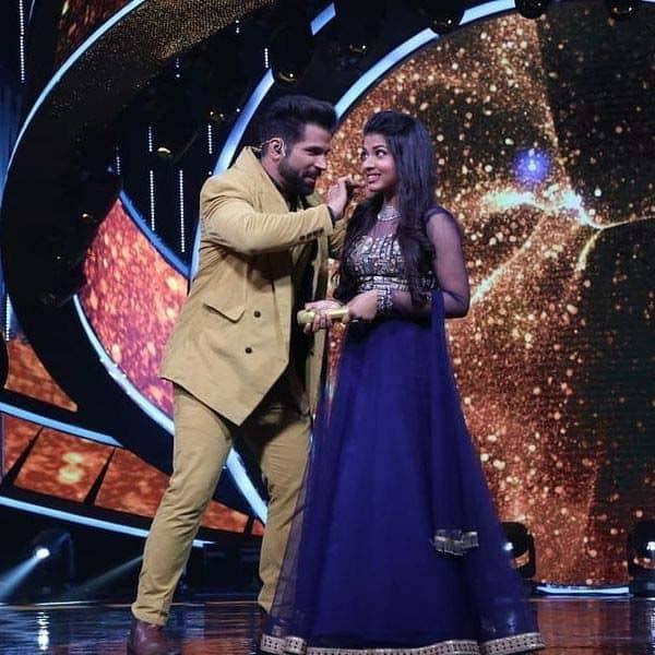 'इंडियन आइडल 12' (Indian Idol 12) के सेट पर पहुंचे रित्विक धनजानी (Rithvik Dhanjani)