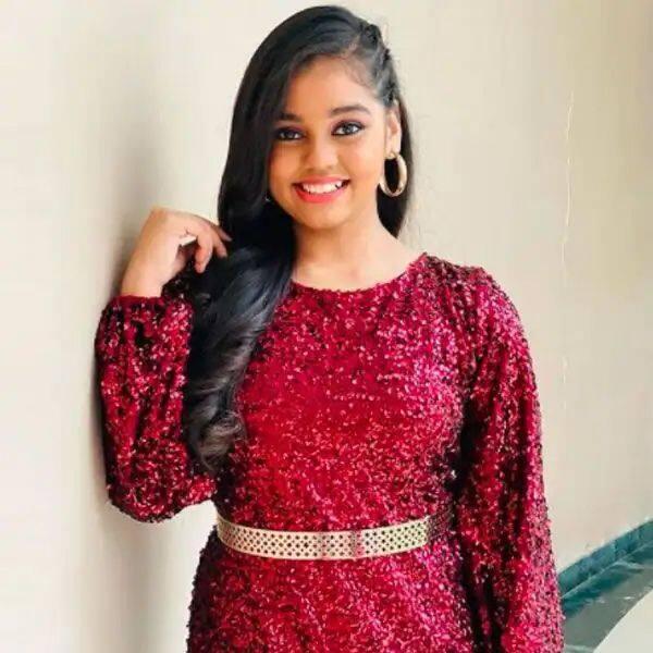 चमकीले कपड़े पहनना पसंद करती हैं सन्मुखप्रिया (Shanmukhapriya)