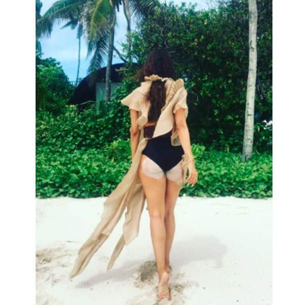 Malaika Arora – the beach bum!