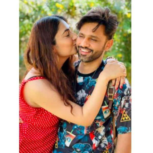 खुशी से झूमीं दिशा परमार (Disha Parmar)