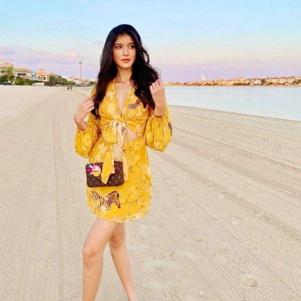 Shanaya Kapoor - sexy meets cute