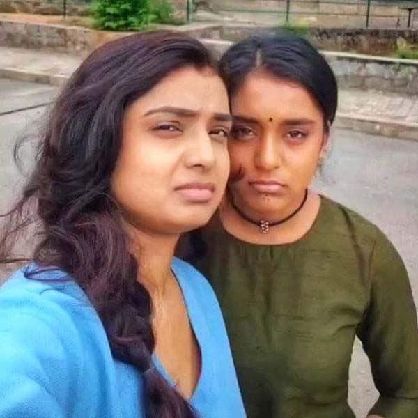 इमली (Imlie) के साथ मालिनी (Mayuri Deshmukh) ने दिए पोज