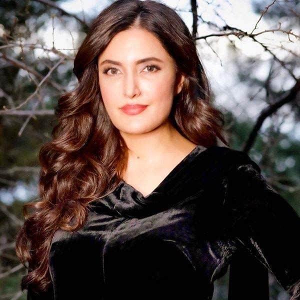 फजीला अब्बासी (Fazeela Abbasi)