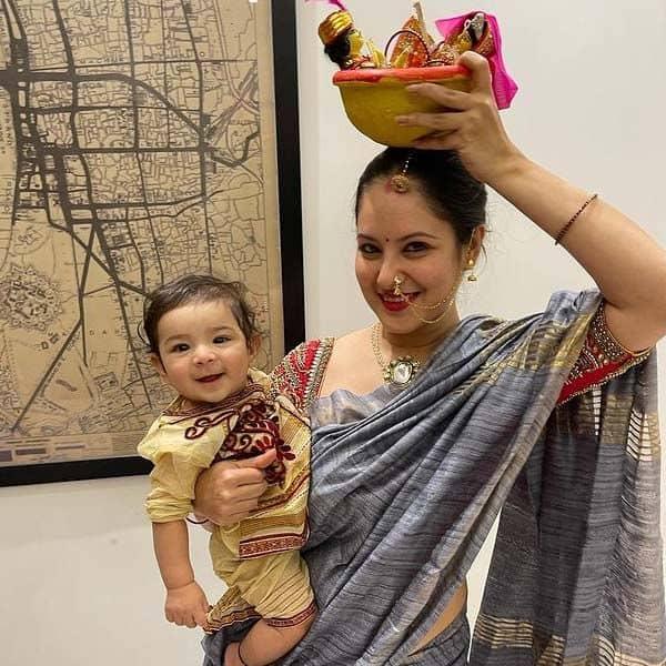 5 महीने का हो चुका है पूजा बनर्जी (Puja Banerjee) का बेटा