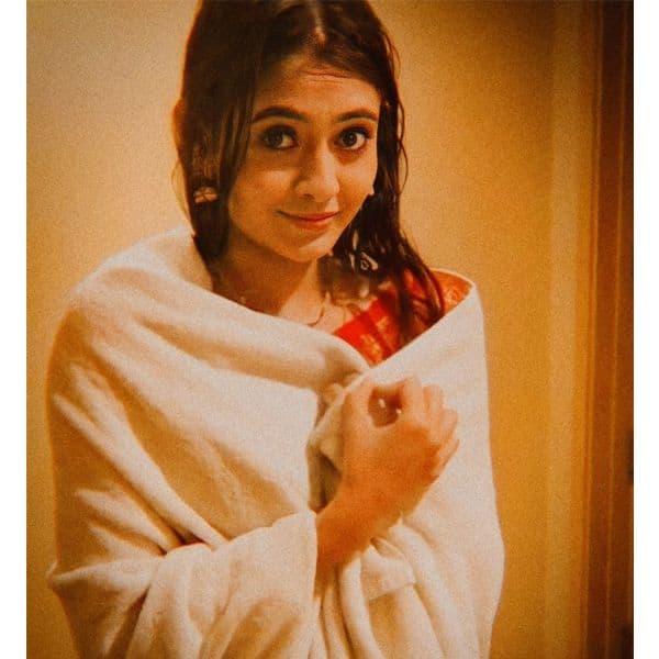 बड़ी ही क्यूट लग रही हैं पल्लवी (Shivangi Khedkar)