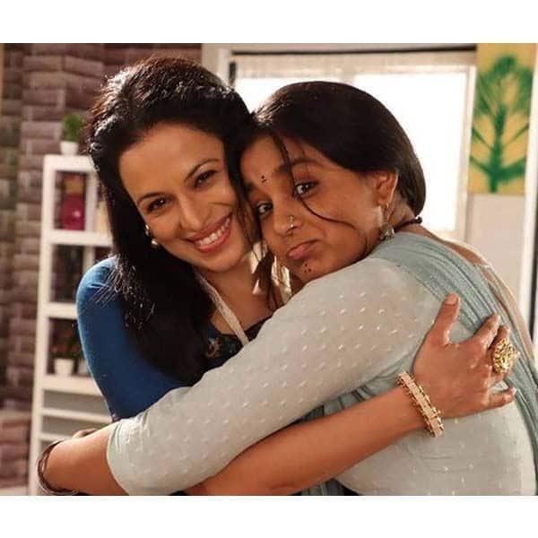 ऑफस्क्रीन इमली (Imlie) को बेटी जैसा प्यार देती है मालिनी की मां अनु (Anu)