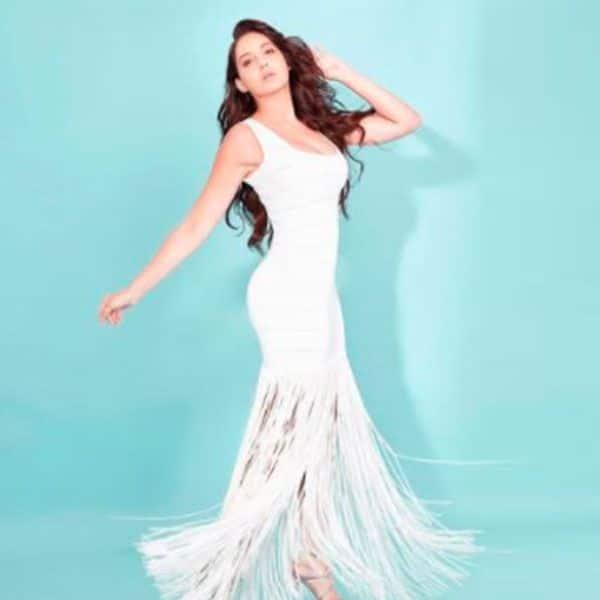 नोरा फतेही ने सफेद रंग की बॉडीकॉन ड्रेस में चलाया जादू