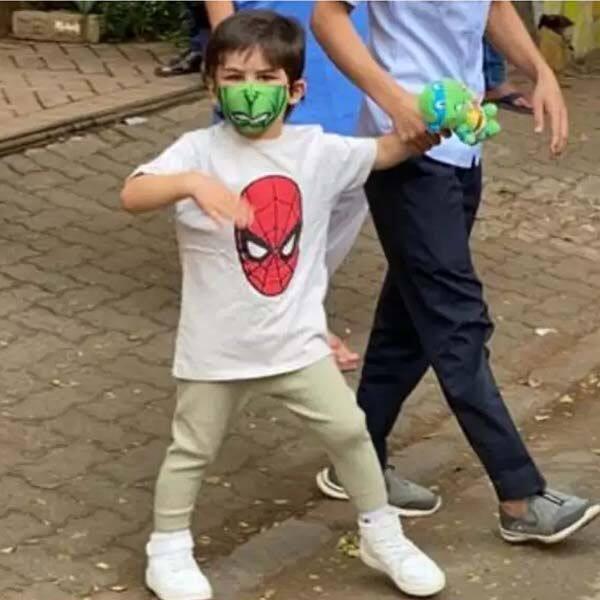 4 साल के हैं तैमूर अली खान (Taimur Ali Khan)