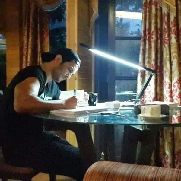देर रात तक पढ़ते थे किताबें