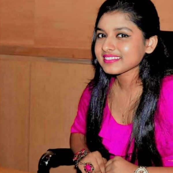 अरुणिता कांजीलाल (Arunita Kanjilal) की स्माइल का हर कोई दीवाना