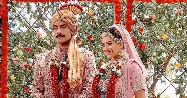 Madalsa Sharma aka Kavya wore a 10 kg lehenga for her wedding sequence with Sudhanshu Pandey aka Vanraj Shah