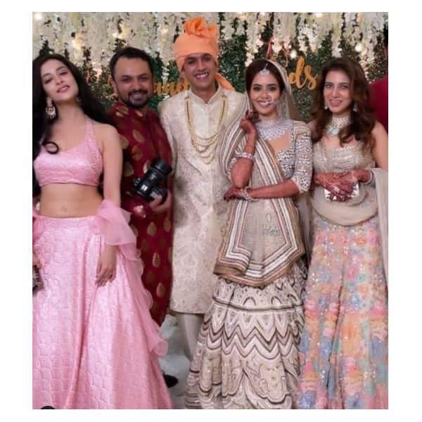 सना सैयद (Sana Sayyad) की शादी में पहुंचीं ऑनस्क्रीन बहन मधुरिमा (Madhuurima)