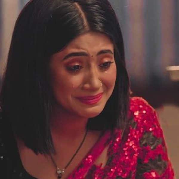 घर आकर खूब रोएगी सीरत (Shivangi Joshi)
